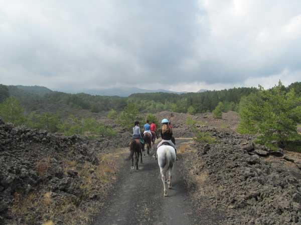 2-2_escursione_a_cavallo_sulletna